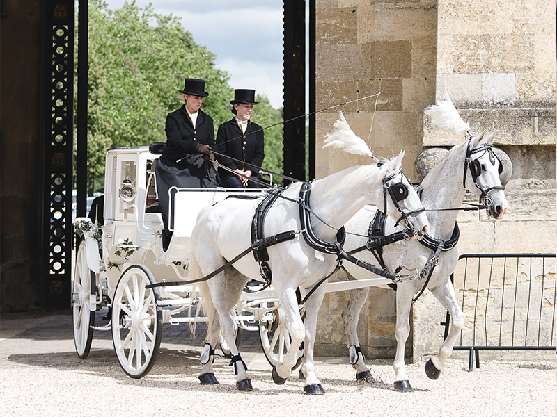 Carriage-3 Top Tips for Planning a Summer Wedding from Blenheim Palace
