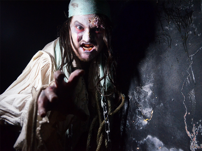 Fright-Nights-at-Pirates-Quest-Newquay-Cornwall-2017-2 10 of the Spookiest Halloween Treasure Trails